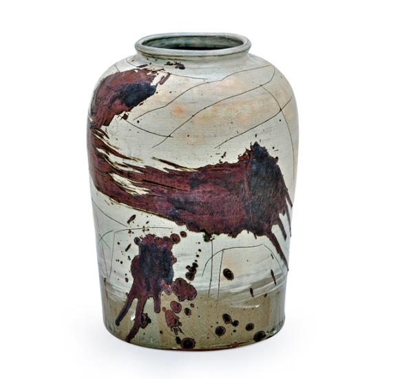 Ree Soo-Jong // Bunchung Jar with Iron-brown Drawing // 32 x 32 x 48 cm // Buncheong ware