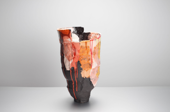Elke Sada // Fringilla // 41 cm // Black grogged clay, engobes, glaze